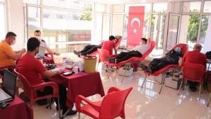 Jandarma personelinden kan bağışı desteği
