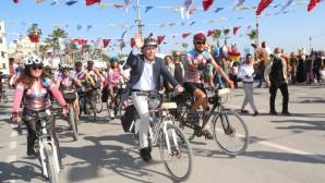 Karaduvar Balık Festivali'ne 50 binden fazla kişi katıldı