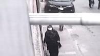 Evlerden hırsızlık yapan kadın önce güvenlik kamarasına ardından polise yakalandı